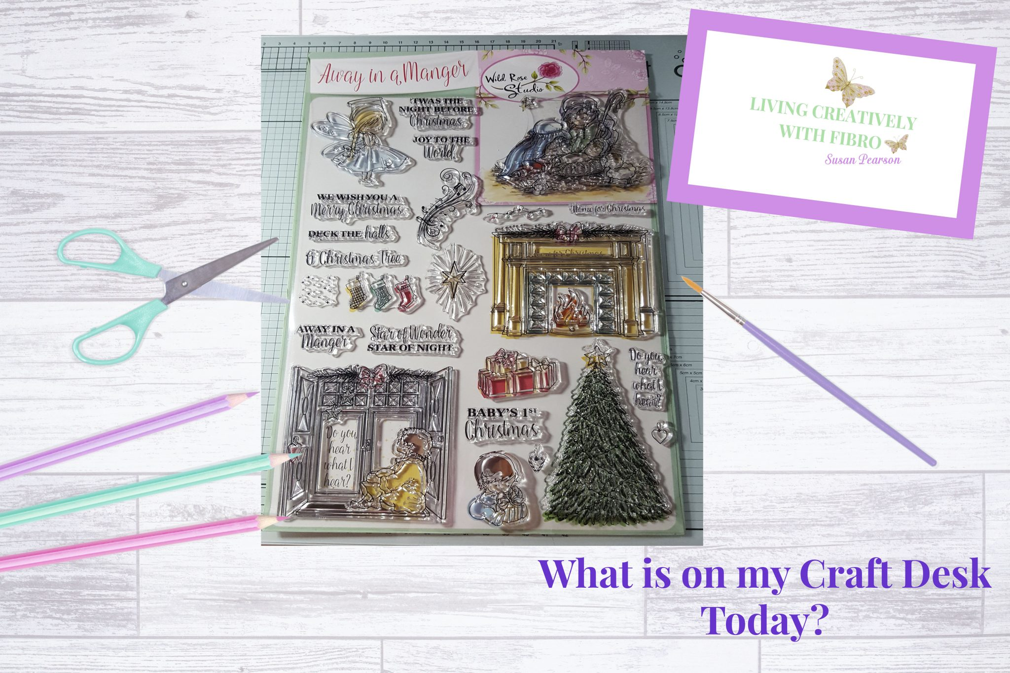 Living Creatively with Fibro | Away in a Manger Craft Desk