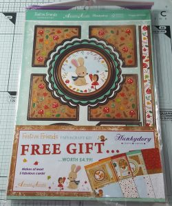 Living Creatively with Fibro | Festive Friends Papercraft Kit